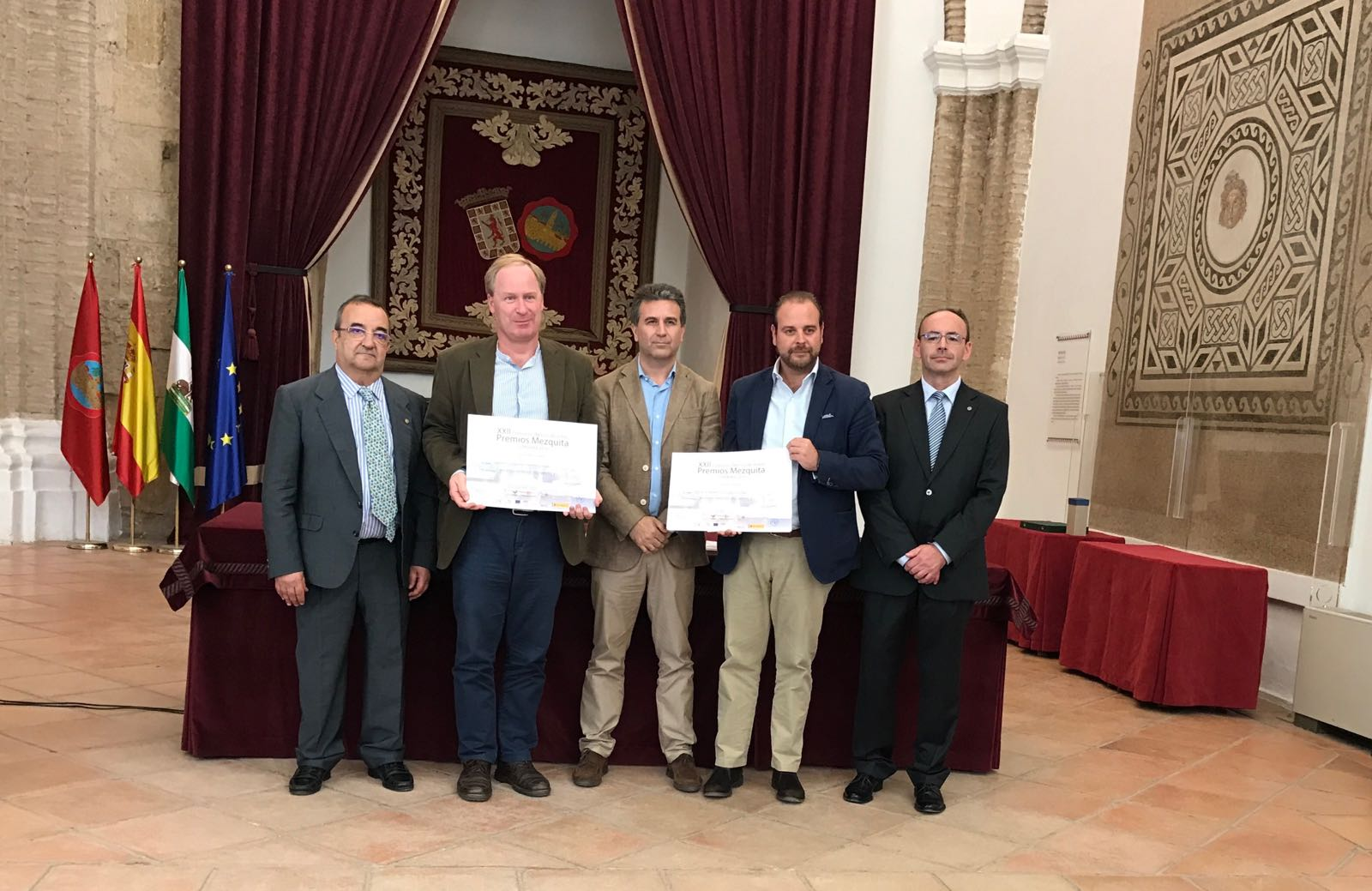 premios-mezquita-jurado